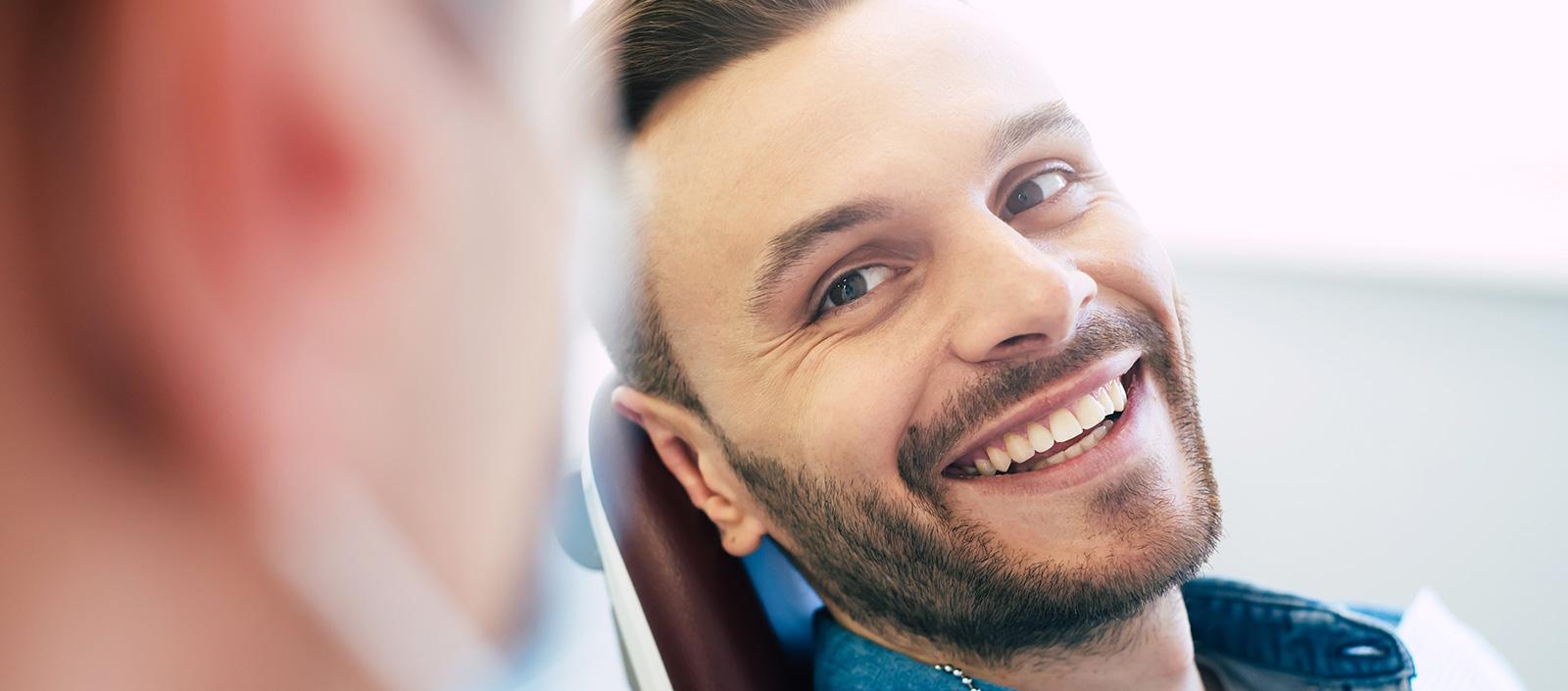 Lachgas-beim-Zahnarzt