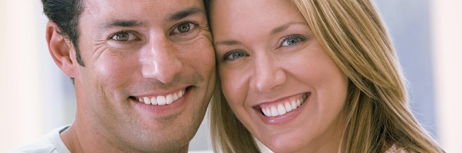 Patienten nach einer Zahnästhetik Behandlung